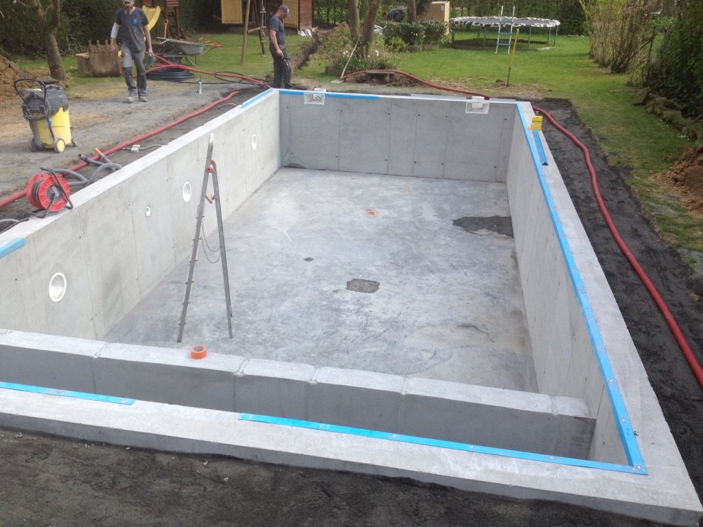 Pool conception for Construction piscine 80